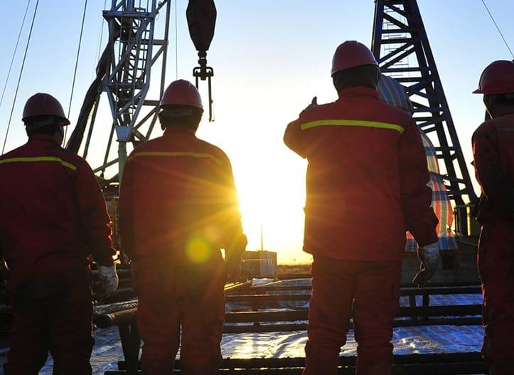 HKE_Solutions-Overview_Workmen_Banner_Front