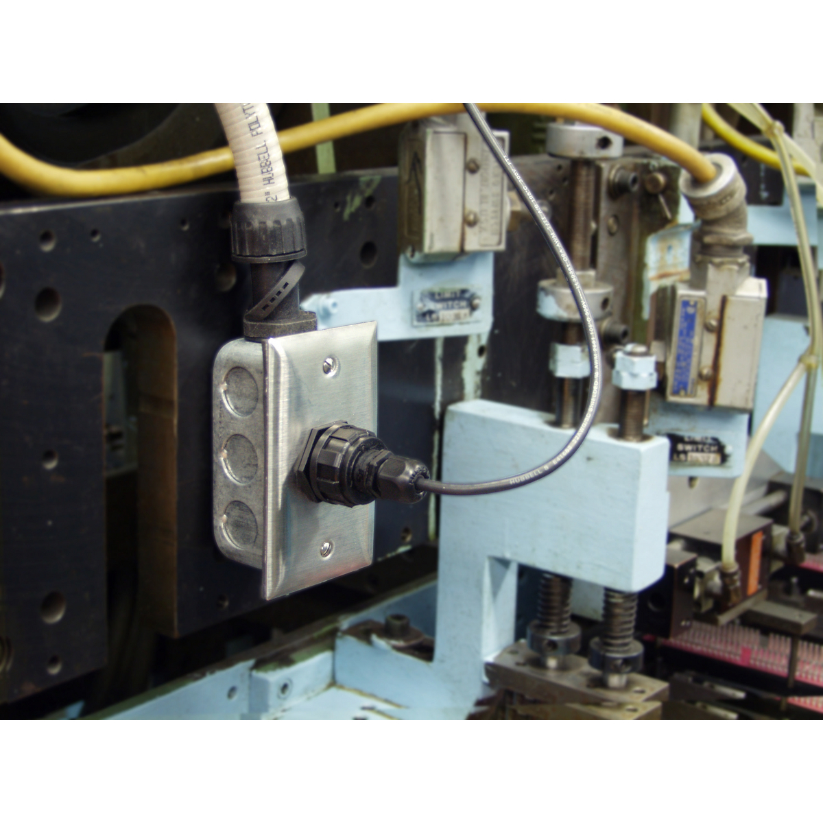 HI6 | Brand | Wiring Device - Kellems