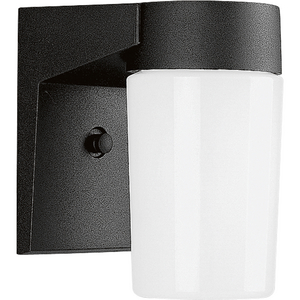 Cast Aluminum One-Light Wall Lantern